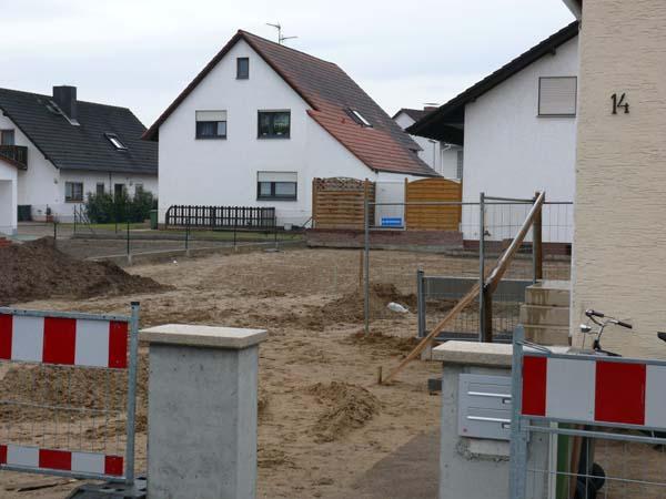 Öde Baustelle: Die Wiederherstellung dauert oft länger als geplant.