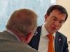 Bürgermeister Maier im Gespräch am Rande mit MdL Bauer.