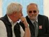 Auch die Initiative gegen ICE-Gleise bei Neuschloß ist da:  Hans Schader (l.) und Ulrich Guldner.