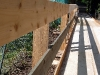 dann ein beeindruckend gezimmerter Holzweg.
