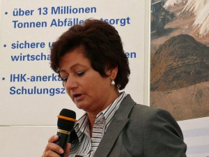 Chefin der HIM-Sanierer, Birgit Schmitt-Biegel.